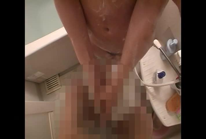 巨乳で激カワなギャル系彼女のお家でまったりイチャイチャセックス!お風呂でフェラやパイズリでシゴきあげたチンポをベッドに戻り即挿入!最後は綺麗な顔にたっぷり顔射!