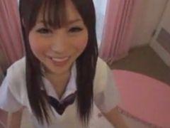 童顔丸顔で甘えた感じのロリ声とニコニコ笑顔がかわいすぎる美少女女子校生