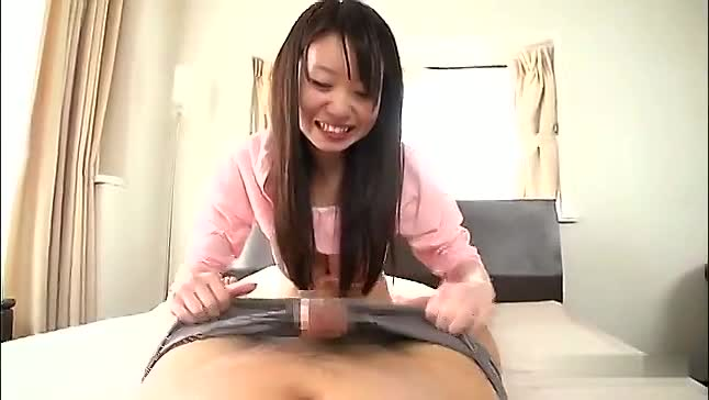 ミニマムボディなのに巨乳な恥じる美少女とイチャラブハメ撮りSEX!