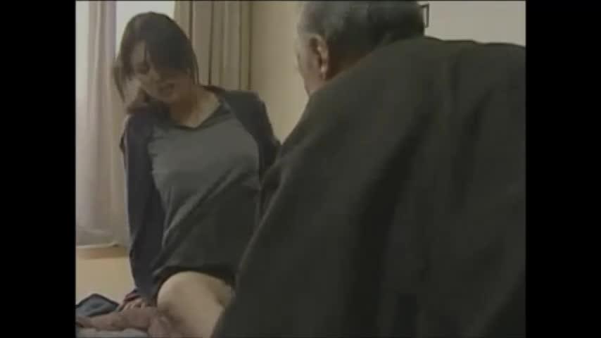変態すぎる義理父に寝込みを襲われ感じてしまう人妻の近親相姦SEX