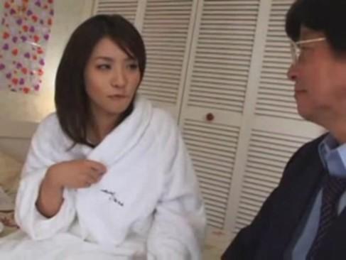 鮎川なおが実の父とガチ近親相姦SEXするヤバすぎる動画