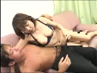 酔いつぶれて無抵抗な熟女の先輩と泥酔SEX!
