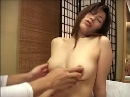 彼女が妊娠→彼女の母親とかわりにパコるクソガキ!