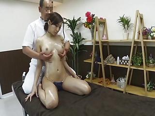 【マッサージ】蓮実クレア