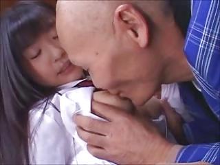 童顔巨乳のJKつぼみちゃんが78歳の絶倫おじいちゃんと歳の差SEX!