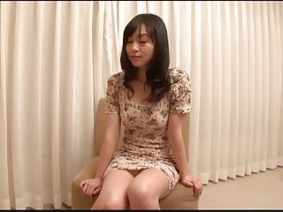 美巨乳の人妻をオイルマッサージで欲情させて生中出しハメ撮り!