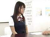 真面目なメガネ女子校生が快楽に目覚めて激しくハメ