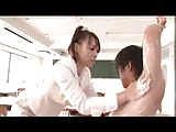 痴女教師の中森玲子が若い生徒をストレッチと称して教室で逆レイプw