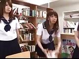 図書委員の地味な女子校生たちが1本のチンポを巡って痴女責め!