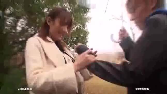 雨の中で野外フェラとか羞恥SEX三昧