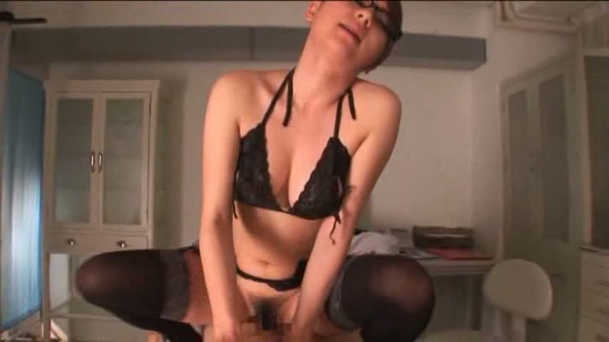【痴女エロ動画】痴女な女医がチンコの診断