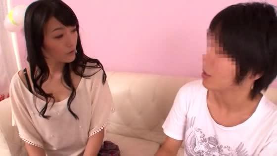 西野翔さんが逆ナンで捕まえたデカチン君とスク水制服ニーハイセックスwww