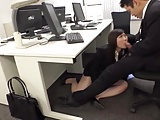 いやらしい身体の巨乳巨尻OLをオフィスでこっそり中出しハメ