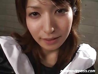 メイドのフェラエロ動画無料。秋葉で働くメイドさんがAV出演!