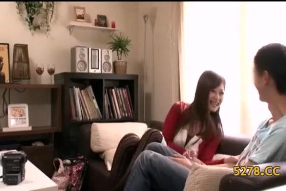 淫乱の人妻のエロ動画無料。人妻系デリヘルを呼んだら巨乳淫乱お姉さんと気があって本番成功