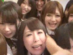 クラスの女子校生全員が痴女ってどゆことやねん!!