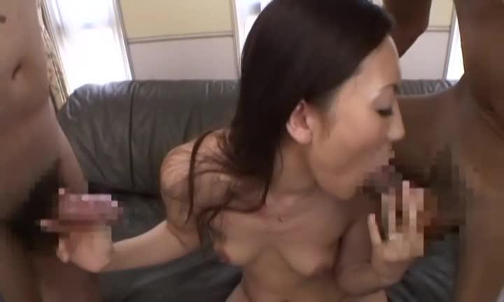 四十路の淫乱熟女は、勃起ちんぽが大好き!レロレロダブルフェラ!!