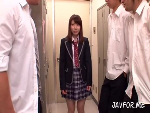 そりゃあこれだけの美少女JKいたらレイプは義務みたいなもんだろ