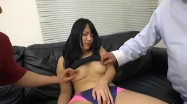 膣圧がハンパない元陸上部の専門学校生をナンパして3P!