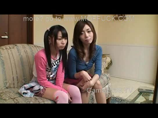 アウロリ美少女に母親のフェラシーンを見せつけた結果w