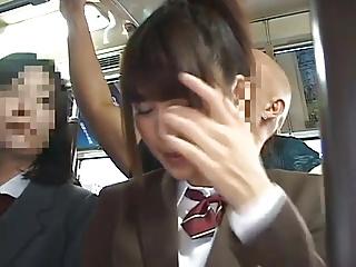 バスの中で痴漢に襲われSEXしてるOLを見てたJKが次のターゲットにされるwwww