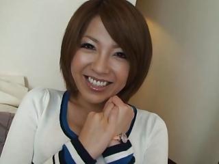 笑顔がかわいい巨乳素人娘がエロジジイに調教ハメ撮りされる!