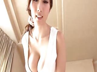爆乳スタイル抜群人妻のパイズリSEXが最高に気持ちいぃぃぃいぃぃ!