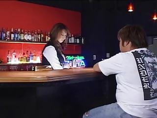 常連客にお店でレイプされ抵抗虚しくザーメンまみれにされる巨乳バーテンダー