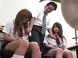 列車止めた代償に女子校生たちをお仕置き3P