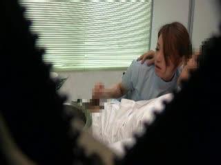 治療中の美巨乳歯科助手を口説き即ハボ
