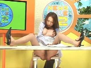 テレビ見てたらめがね巨乳のキャスターが暴漢にパンストのままハメられてて騒然
