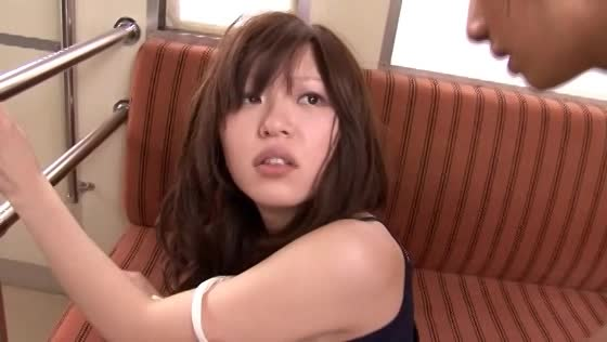 電車で巨乳娘に痴漢→ザーメン大量ぶっかけ!