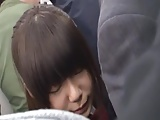 痴漢に遭遇した気の弱い女子校生が電車内で大量潮吹き