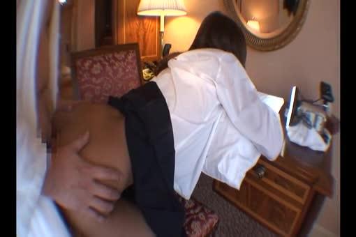 小刻みに反応して感じまくる可愛いギャルとのホテルハメ撮り!