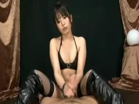 ドSで可愛いボンデージ痴女の密着手コキと尻コキ責めで射精するM男!