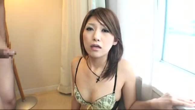 素人美乳ギャルが高級ホテルにて乱暴なイラマチオで口内射精される