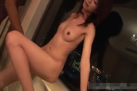 夫を喜ばせる為にテクニックを学びたいという元アナウンサーの美人妻とハメ撮りSEX!