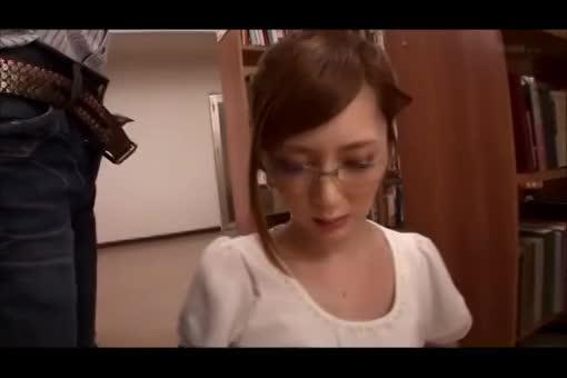 メガネの似合う図書館の美人司書を脅迫してハメる男が鬼畜すぎwwww