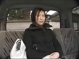 ナンパした買い物帰りの素人妻をラブホに連れ込んで即ハメ撮り!