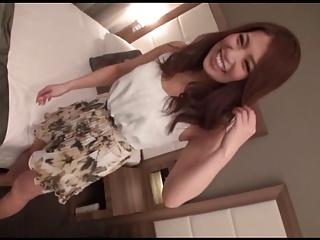 ナンパ動画:明るくイイ雰囲気の美人さんを街でナンパしてホテルに連れ込む事に成功♪