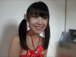 パイパンマンコに中出しされて恍惚の表情を浮かべる美少女www