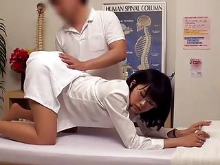 巨乳女教師がエロマッサージ師に翻弄されレイプされる様子を完全盗撮w