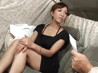 アンケート称してナンパしたセレブ妻をホテルに連れ込み中出し!