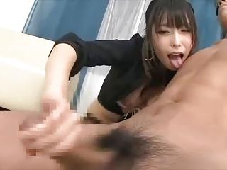 有村千佳の乳首舐め手コキの痴女攻めが最強すぎる・・・