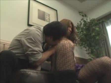 【人妻エロ動画】子供のために体を張る人妻