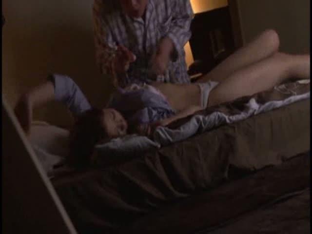 【睡眠姦エロ動画】酔っぱらって寝てる義姉に興奮して夜這いww