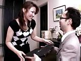 熟女の調教エロ動画無料。調教師が人妻熟女にディルドオナニーを強要→本物チンポをハメて顔射レイプ