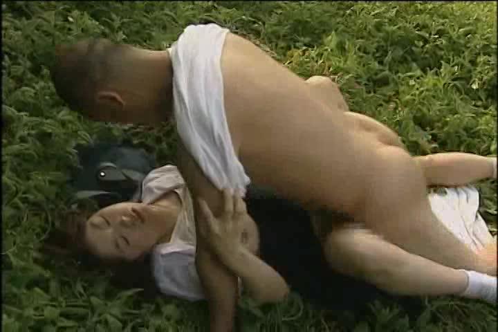 JKがおねえちゃんの旦那と青姦セックス