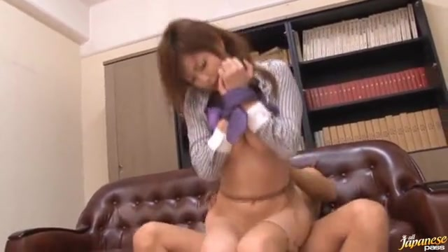OLのぶっかけエロ動画無料。社内で噂の美人OLがハゲ上司に拘束され凌辱レイプで顔射ぶっかけ