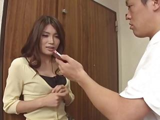 【人妻 不倫】欲求不満なHな巨乳の人妻の不倫誘惑プレイがエロい!【エロまとめ動画モンモン】